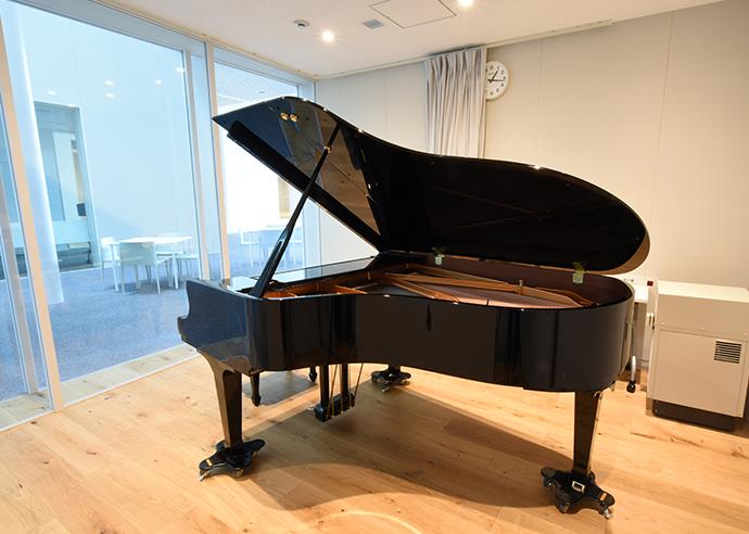 ピアノルーム画像